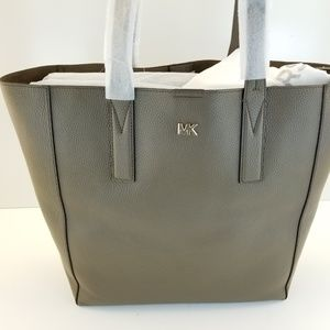 d4e57b03233b Michael Kors Bags - Michael Kors Junie Large Pebbled Leather Tote- Mus